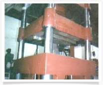 700 TON HYDRAULIC PRESS AND DIE CUSHION UNDER CONSTRUCTION